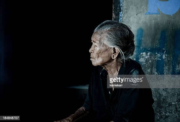 バリの老人女性
