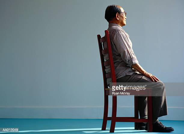 elderly man sitting - good posture stock pictures, royalty-free photos & images