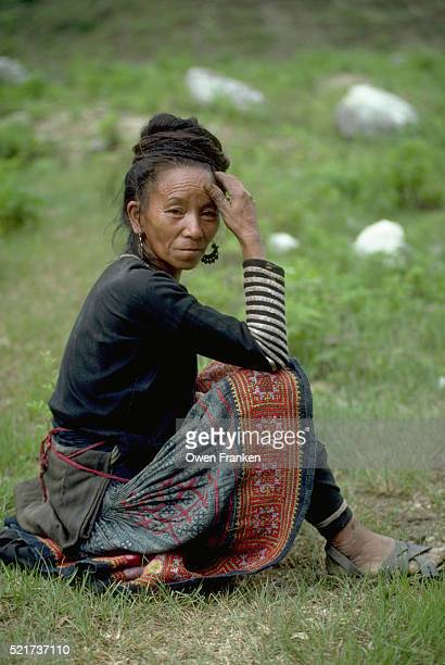 elderly miao woman in vietnam - son la stock pictures, royalty-free photos & images