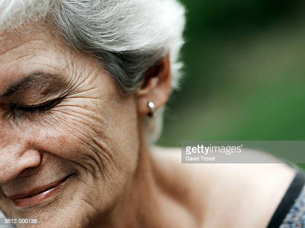 elderly woman smiling - wrinkled stock pictures, royalty-free photos & images