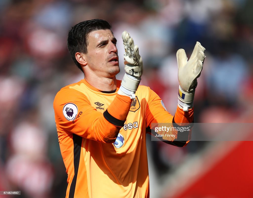 Eldin Jakupovic of Hull City applaus supporter after thre full time whistle during the Premier League match between Southampton and Hull City at St Mary's Stadium on April 29, 2017 in Southampton, England.