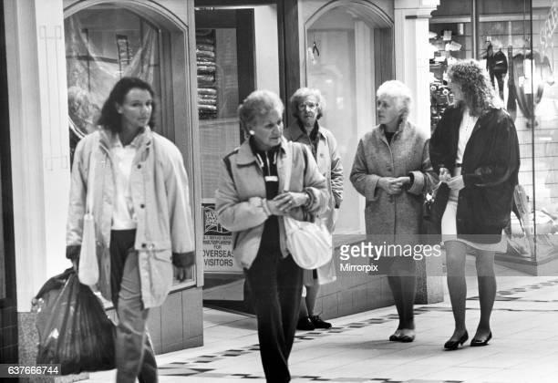 Eldon Garden Shopping Centre, Newcastle upon Tyne, Tyne and Wear. 30th October 1989.