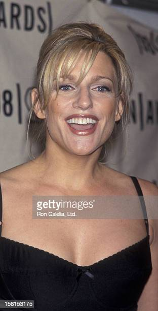 Eleanor Mondale attends VH1 Fashion Awards on October 23 1998 at Madison Square Garden in New York City