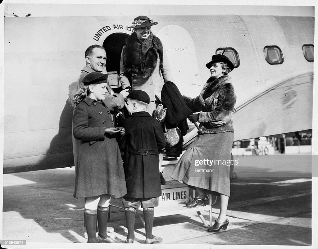 First Lady Eleanor Roosevelt Greeted by Daughter and Family : News Photo