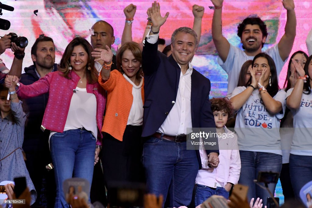 Colombians Vote in Run-off Presidential Elections : News Photo