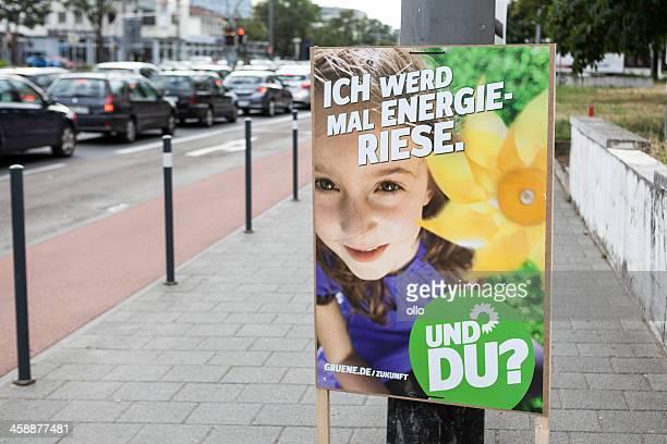 wahlkampf billboard der die gruenen/bundestagswahlkampf - politische wahl stock-fotos und bilder