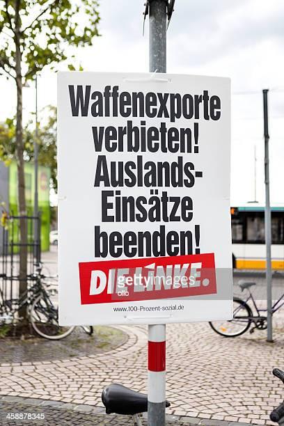 wahlkampf plakat für die linke/bundestagswahlkampf 2013 - politische wahl stock-fotos und bilder