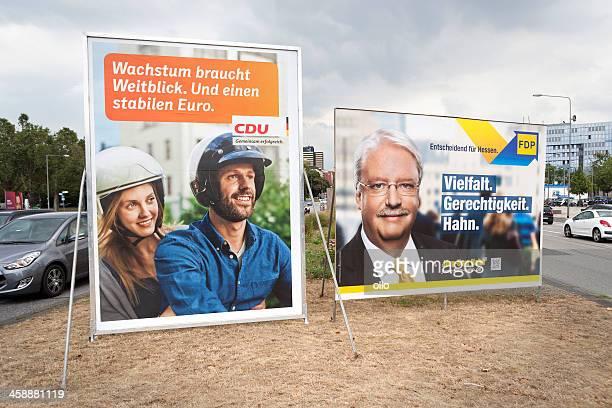 wahlkampf plakate der cdu und fdp/bundestagswahlkamp - politische wahl stock-fotos und bilder
