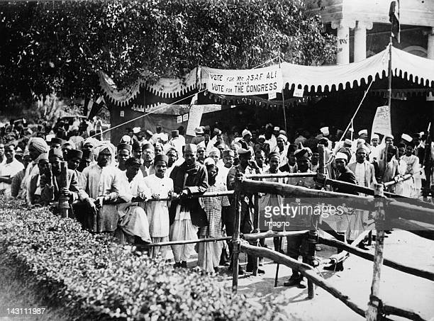 Election day in Delhi. Indigenous people in front of the city hall. India. Photograph. About 1935.