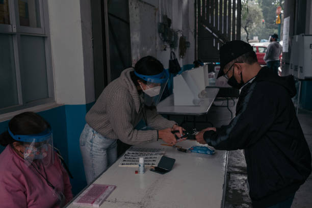 MEX: Voters Cast Ballots For Referendum