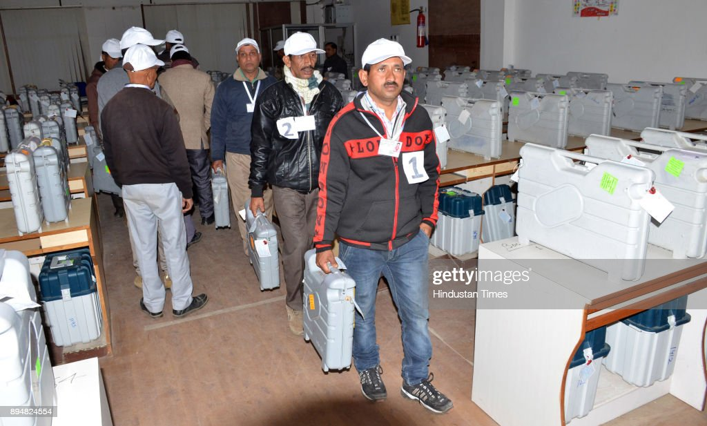 Counting Of Votes With EVMs For Himachal Pradesh Assembly Elections 2017