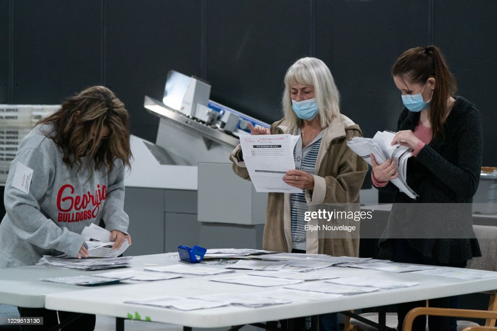 Georgia Election Officials Continue Ballot Counting : News Photo