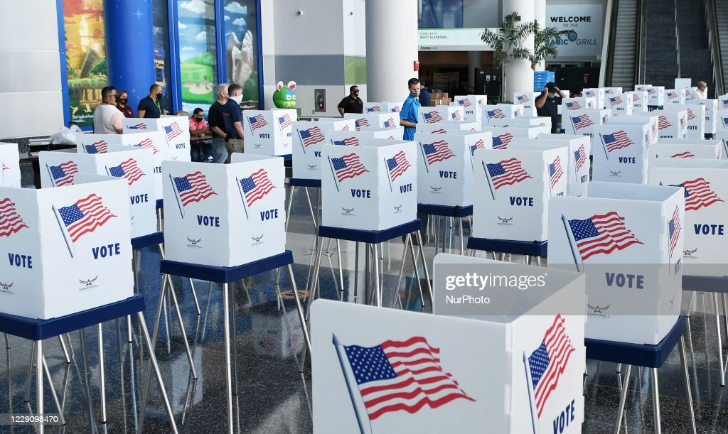 Florida Prepares For Early Voting : News Photo