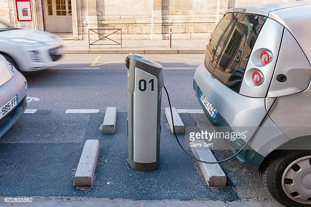 Ladestationen für Elektrofahrzeuge