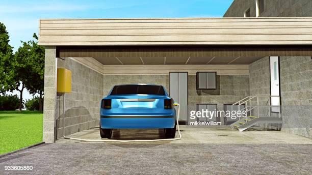 Elektro-Auto ist mit Kraftwerk in der heimischen Garage verbunden.