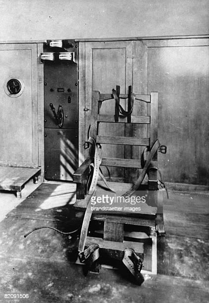 Electric chair Photograhy Around 1935 [Elektrischer Stuhl Photographie Um 1935]
