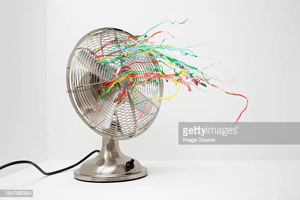 Electric fan with streamers