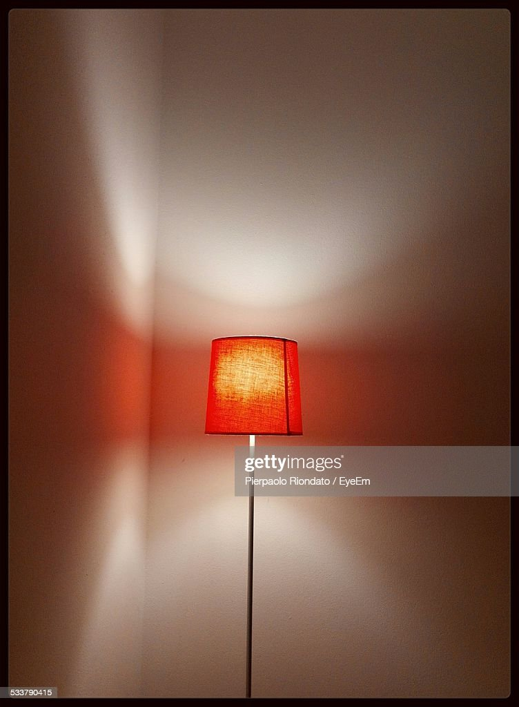 Electric Lamp Against Wall At Home : Foto stock