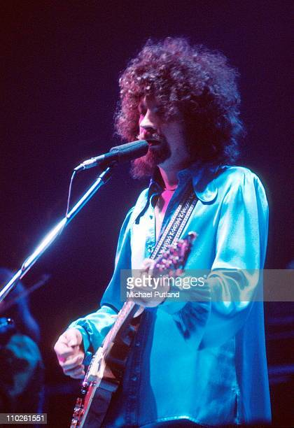 Electric Light Orchestra, ELO, perform on stage, February 1977, London, Jeff Lynne.