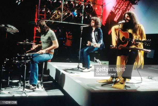 Electric Light Orchestra perform on Top Of The Pops ELO LR Bev Bevan Jeff Lynne Roy Wood