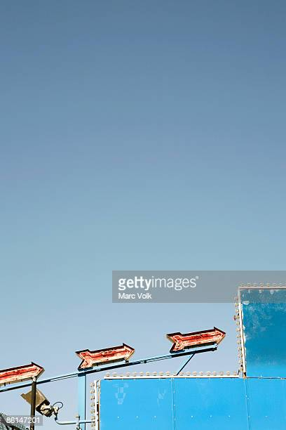 electric lights at an amusement park - coney island stock pictures, royalty-free photos & images