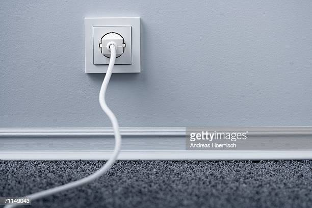 electric plug in outlet - tomada - fotografias e filmes do acervo