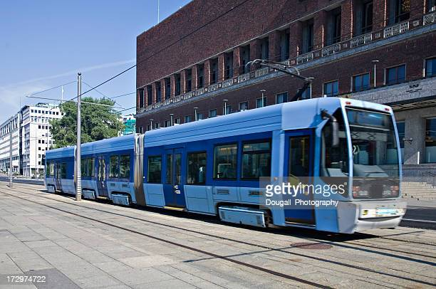 electric tram in oslo - tram stockfoto's en -beelden