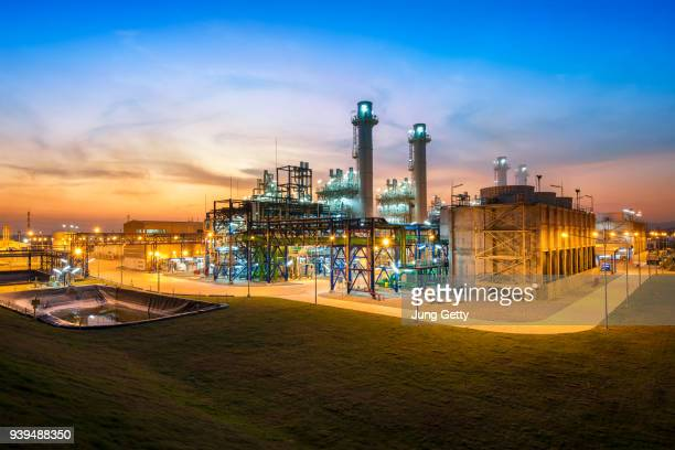 electric turbine power plant - power station stock pictures, royalty-free photos & images