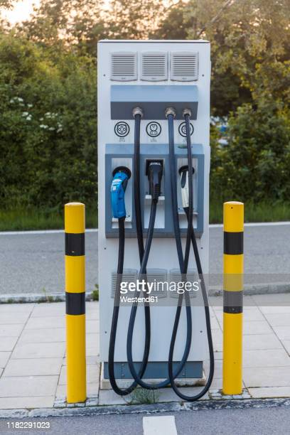 electric vehicle charging station at the motorway - electric vehicle charging station stock pictures, royalty-free photos & images