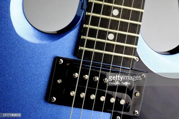 electrical guitar musical instrument - ベースギター ストックフォトと画像