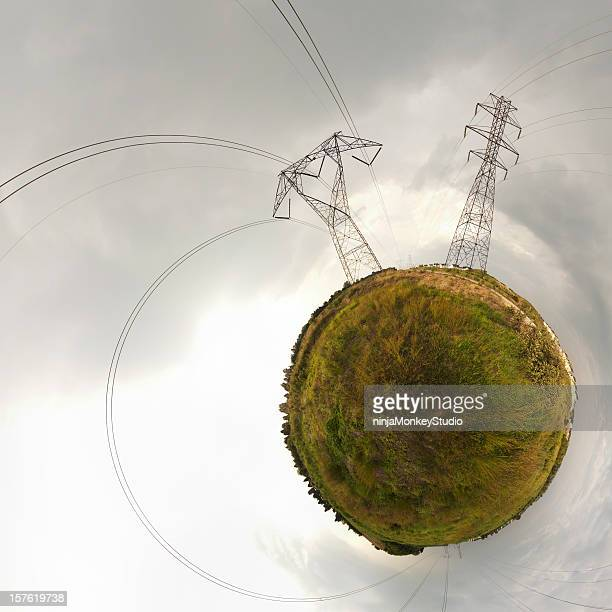 Elektrische Telefonmasten auf einer kleinen Planet