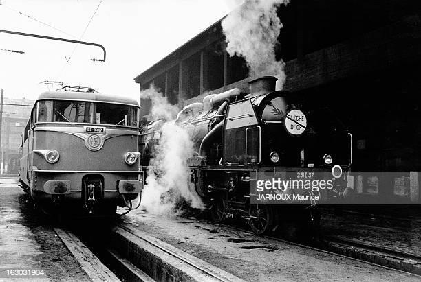 Electrification Of The Sncf Line Paris-Lille. A la fin des années 50, sur la ligne 'Paris-Lille', le passage de la locomotive à vapeur à la...