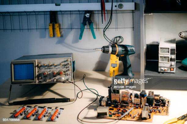 electronic equipment - oscilloscope stock pictures, royalty-free photos & images