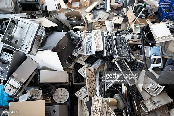 electronics recycling - obsolete stock pictures, royalty-free photos & images