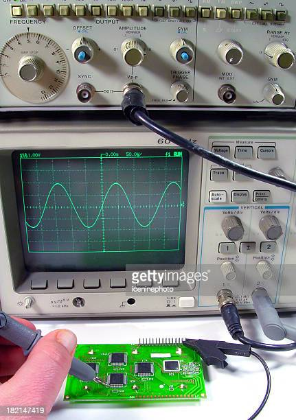 electronics technician - oscilloscope stock pictures, royalty-free photos & images