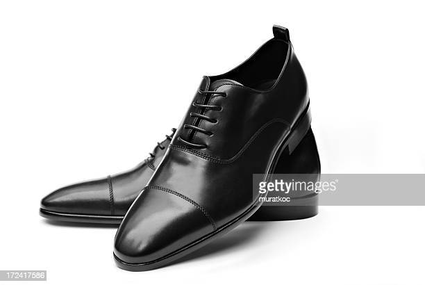 elegant black leather shoes - nette schoen stockfoto's en -beelden