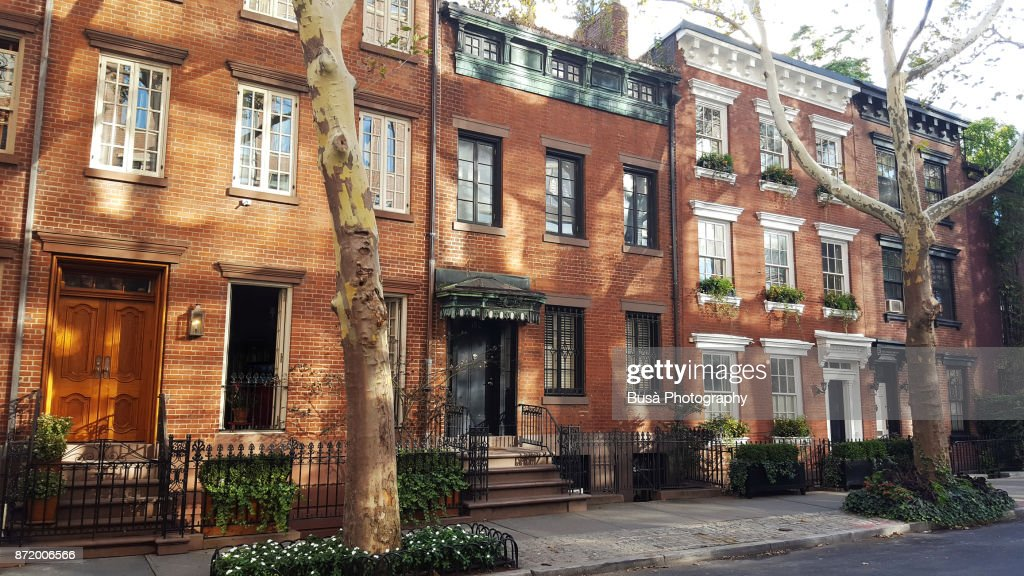 Elegant brownstones and townhouses in the West Village. Manhattan, New York City : Foto de stock