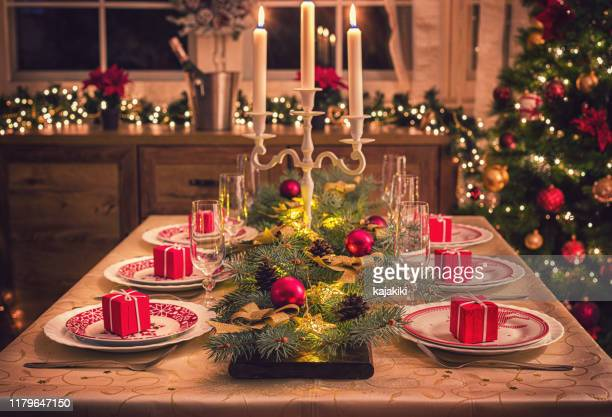 elegant christmas dining table - country christmas stock pictures, royalty-free photos & images