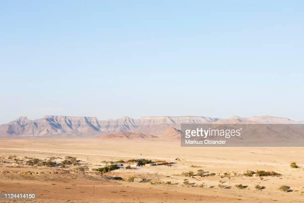 elegant desert lodge, sesriem, namibia - セスリエム ストックフォトと画像
