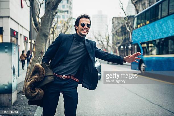 elegant man on the street - casaco - fotografias e filmes do acervo