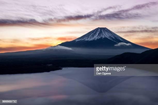 elegant mountain. - 一月 ストックフォトと画像