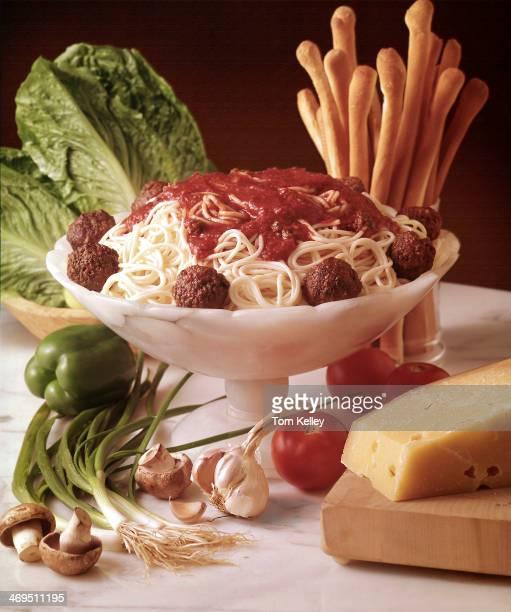 Elegant spaghetti and meatballs in a bowl 2000