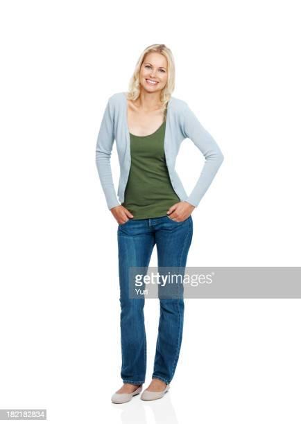 Elegante junge Frau posieren auf weißem Hintergrund