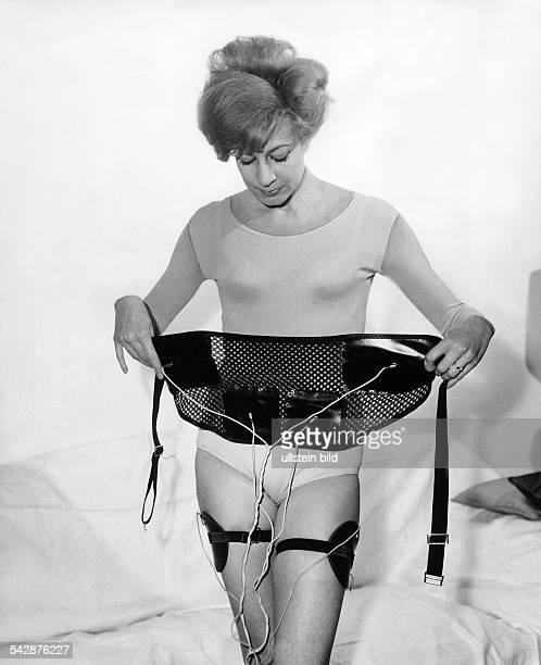 Elektrisches Gerät zur Gewichtsreduzierung Durch Abgabe von Stromstößen sollen die Muskel durchgearbeitet werden und das eingelagerte Fett...