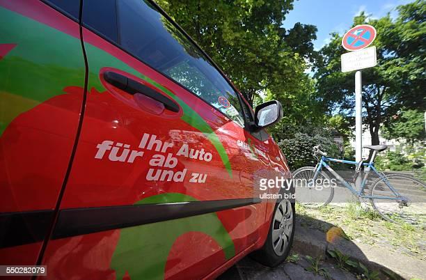IHR AUTO FÜR AB UND ZU Elektrofahrzeug eines Carsharingunternehms in BerlinPrenzlauer Berg