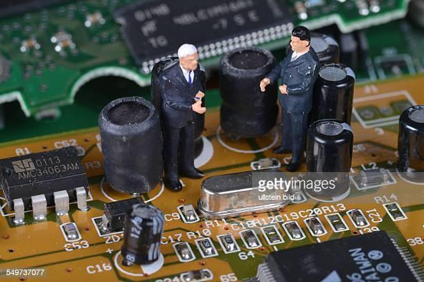 Elektronik Platine Leiterplatte Geschaeftsmaenner / Geschäftsmänner