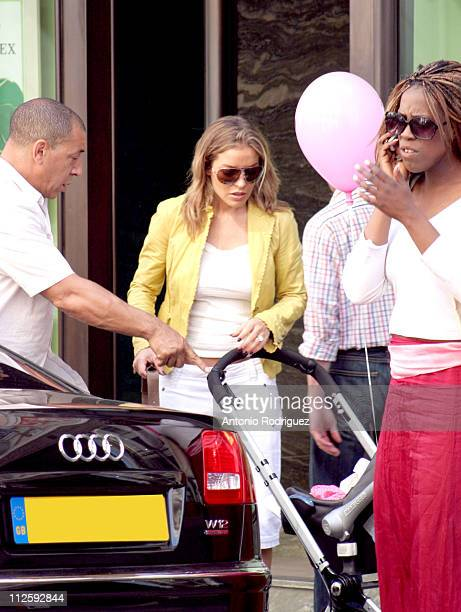 Elen Rivas fiancee of Chelsea and England midfielder Frank Lampard takes a shopping trip out to London's trendy Bond Street with the couple's baby...