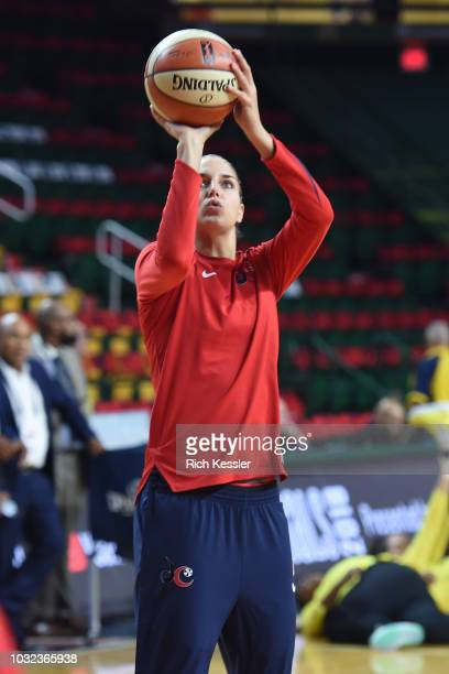 Elena Delle Donne of the Washington Mystics shoots the ball during warmups before the game against the Seattle Storm during Game Three of the 2018...