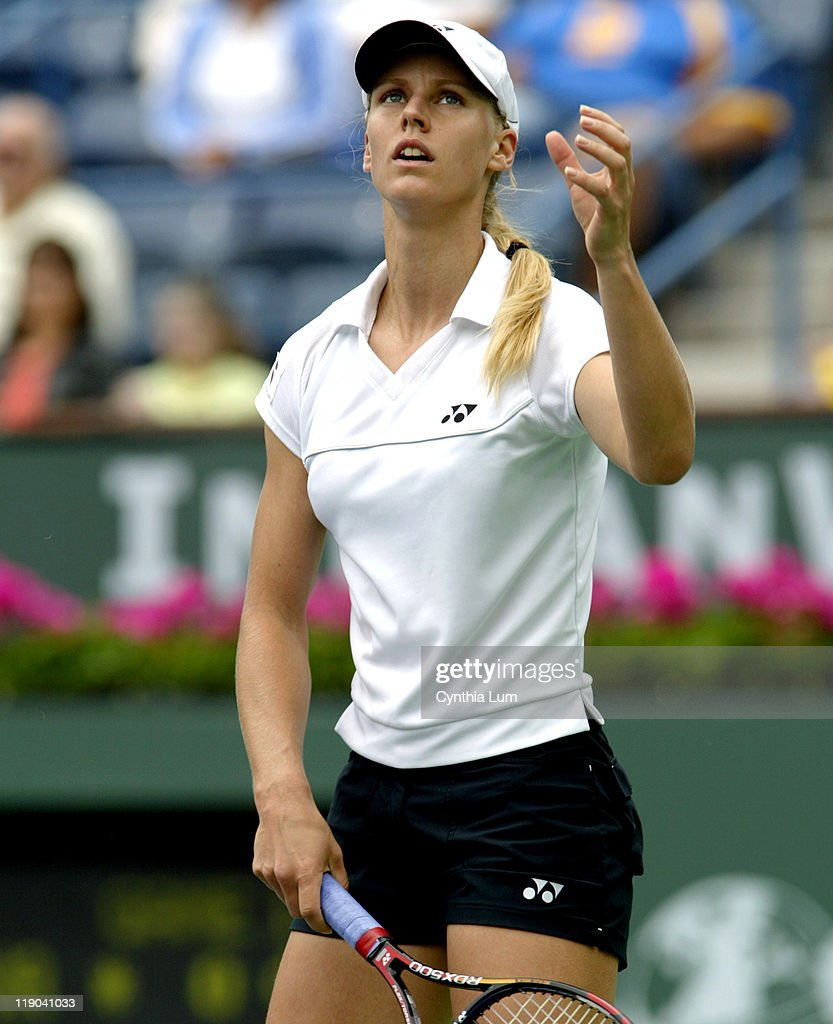 Elena Dementieva as she ends her run at the Pacific Life Open after losing her semi-final match 6-4, 6-2 to Kim Clijsters at Indian Wells, California on March 18, 2005.