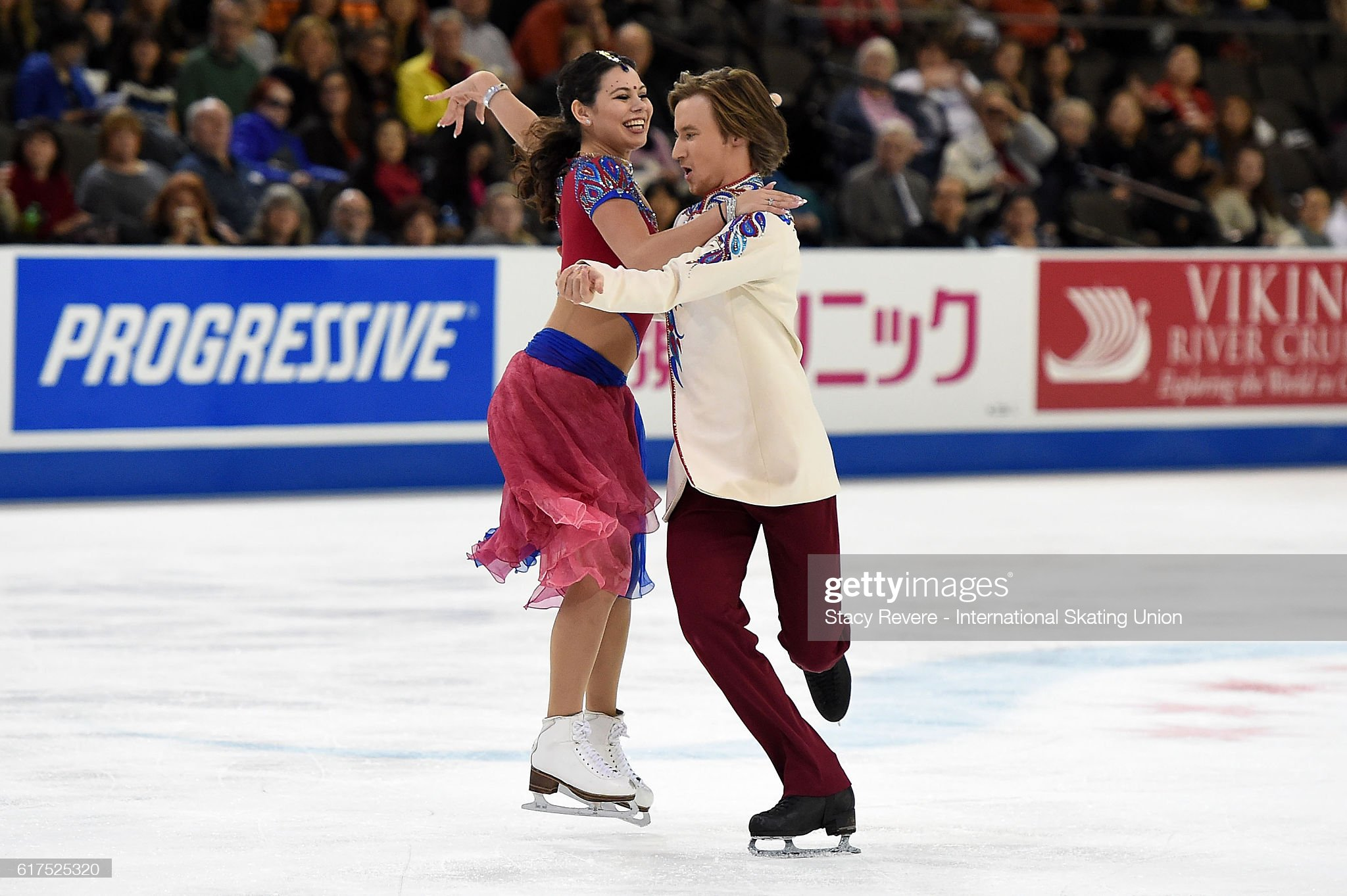 https://media.gettyimages.com/photos/elena-ilinykh-and-ruslan-zhiganshin-of-russia-perform-during-the-ice-picture-id617525320?s=2048x2048